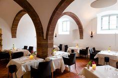 Kloster Hornbach - Historisches Kloster gegründet 741nChr. als Luxushotel, Eventlocation, Hochzeitslocation und Gourmet-Location. Kochevents und Meeting-Space, Wellness und Detox  - empfohlen von First Class and More