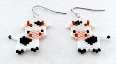 Enjoy exclusive for White Black Cow Sculptured Picture Seed Bead Dangle Earrings online - Mimafashionstylish Hama Beads, Fuse Beads, Seed Beads, Peyote Patterns, Beading Patterns, Seed Bead Art, Friendship Bracelets With Beads, Brick Stitch Earrings, Black Cow