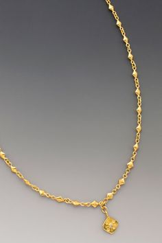 Heart's Longing: An gold diamond-shaped pendant with an exquisite bezel-set faceted diamond in the center. On hand-made chain. Gold Necklace Simple, Gold Jewelry Simple, Gold Chain Design, Gold Jewellery Design, Rapper Jewelry, Clover Necklace, Gold Chains For Men, Jewelry Illustration, Creme