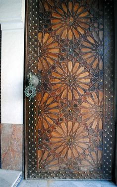 Image PAR 035 featur - Image PAR 035 featuring door or doorway from the Grand Mosquée de Paris in Paris France showing Geometric Pattern using carved inlaid or painted woodwork. Main Entrance Door Design, Wooden Main Door Design, Welcome Signs Front Door, Front Door Decor, Front Doors, Barn Doors, Wooden Art, Wooden Doors, Monuments