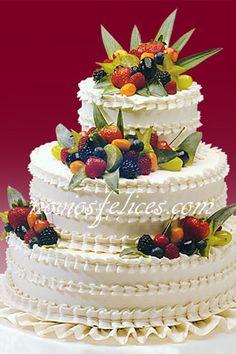 Pastel tarta de bodas con frutas naturales