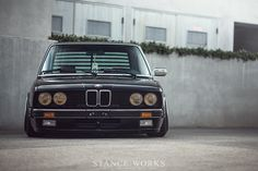 "StanceWorks Revisits: Riley Stair's BMW E28 ""540i"""