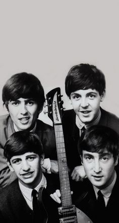 Please show full picture Beatles Love, Beatles Photos, Beatles Poster, Marilyn Monroe Photos, The Fab Four, Ringo Starr, Great Bands, Paul Mccartney, John Lennon
