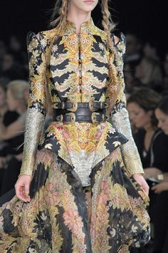 Steampunk haute couture inspiration - Alexander McQueen