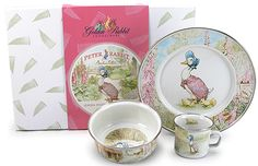 Jemima Puddle-duck Childs Set: Based on the tale of Jemima Puddle-Duck, a childrens book written and illustrated by Beatrix Potter. Set includes one child plate (8.5