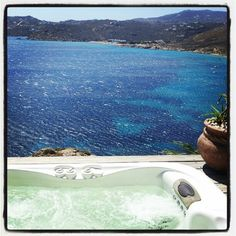 Loved the jacuzzi :) Greco Philia #Mykonos http://www.ilovetravelling.fr