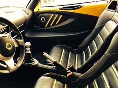 Lotus Exige S yellow and black interior door panel & Lotus Exige 2005 coupe 1.8 192 KM yellow grey black interior | Auto ...