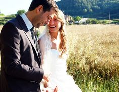 Aunque a veces parece lejano, el día de la boda que habéis preparado con tanta ilusión siempre llega. Los nervios, la emoción, las risas con los invitados… Todo pasa rápido y la mejor forma de guardar para siempre esos momentos únicos es contar con unas buenas fotografías de boda. Por ello, si estáis preparando vuestra boda en Barcelona, os interesa nuestra selección de los 10 mejores fotógrafos de boda en Barcelona, que sabrán captar todos los momentos especiales de vuestra boda y ...