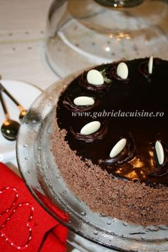 You will find here various recipes mainly traditional Romanian and Mediterranean, but also from all around the world. Chocolate Ganache Cake, Tiramisu, Panna Cotta, Traditional, Cookies, Ethnic Recipes, Kitchens, Crack Crackers, Dulce De Leche