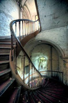 abandoned architecture by aurelien villette