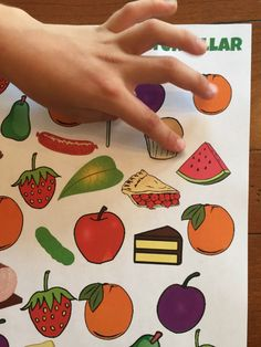 Free printable I Spy Game, based on the popular Eric Carle book.  Great activity for new readers and preschoolers.  Or you can print for your next kindergarten class party.