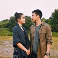 !! เตรียมพิสูจน์ความจริง พรุ่งนี้18 ตุลาคม . #นาคี๒ #นาคี2 เข้าฉาย 18 ตุลาคมนี้ในโรงภาพยนตร์ (คลิกชมตัวอย่าง :… Perfect Couple, Sweet Couple, Celebrity Couples, Couple Pictures, Asian Men, I Am Awesome, Drama, It Cast, Actresses