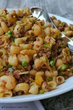 Asian Mie Pasta Salad with Lentils - Experiments from my . - Pasta salad with minced meat Food Meat Recipes, Pasta Recipes, Salad Recipes, Cooking Recipes, Healthy Recipes, Carne Picada, Healthy Eating Tips, Food Menu, How To Cook Pasta