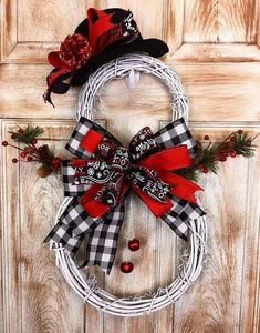 Your place to buy and sell all things handmade : Excited to share this item from my shop: Large Grapevine Snowman Wreath, Smowman wreath, winter wreath, snowman decor, black white plaid Snowman Wreath, Diy Wreath, Wreath Ideas, Snowman Tree, Wreath Crafts, Christmas Projects, Holiday Crafts, Christmas Ideas, Christmas Inspiration