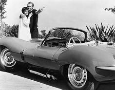 Steve McQueen avec sa première femme Neile Adams qu'il épousa en 1955. Il auront deux enfants, une fille Terry née en 1959 et un garçon Chad né en 1960. © Photo by :