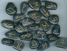 runes Wicca Runes, Wiccan, Clairvoyant Readings, Ancient Runes, Best Psychics, Psychic Readings, Vikings, Personalized Items, American