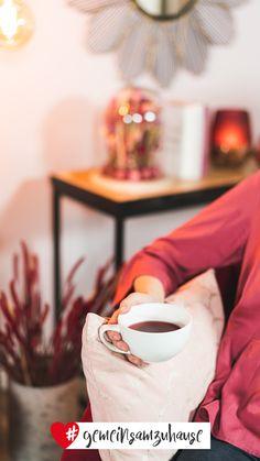 Stöbere bei einer Tasse Tee durch den Höffner Onlineshop und lass dich im Höffner Magazin inspirieren.  #wohnzimmer #sessel #beerentöne #interior #interiorideas #einrichtungsideen #einrichtung #wohnen #wohngefühl #dekoideen #dekoration #deko #dekotipps #inspiration #gemeinsamzuhause Shops, Inspiration, Pink, Living Room, Cuppa Tea, Armchair, Decorating Ideas, Ad Home, Rose