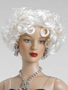 Célébration à Paris | Tonner Doll Company I love her hair.