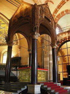 Milano - St Ambrogio #TuscanyAgriturismoGiratola