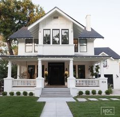 Home Plans with Porch . Home Plans with Porch . Modern One Story House Plan with Lots Of Natural Light Dream Home Design, My Dream Home, House Design, Dream House Exterior, Dream House Plans, Black Trim Exterior House, Estilo Craftsman, Craftsman Homes, Craftsman Cottage