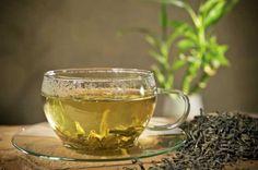 """El té blanco es la variedad de té menos oxidada en su procesamiento. Tiene un alto contenido en """"catequinas"""" (antioxidantes polifenólicos) y se cosechan exclusivamente en China, en la provincia de Fujian. De todas las variedades, es el mayor antioxidante."""