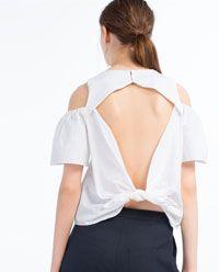 Imagen 5 de TOP ESCOTE HOMBROS de Zara