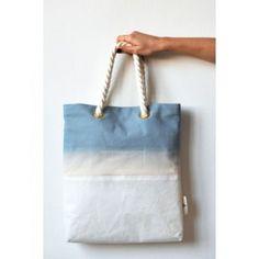 Compra online camisetas de rayas, caftanes y bolsos de The Playa & Co - Bluepopelina.com