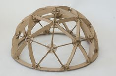 "Origin: <a style=""color:#888888;"" href=""http://www.uni-weimar.de/medien/wiki/File:2V_geodesic_cardboard_dome.jpg"">2V_geodesic_cardboard_dome.jpg</a>"