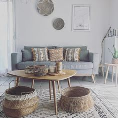 mentions J'aime, 42 commentaires – Christina ( sur In… Decor, Home Living Room, Design A Space, Interior, Kmart Decor, Home Decor, Home Deco, Side Table Design, Coffee Table