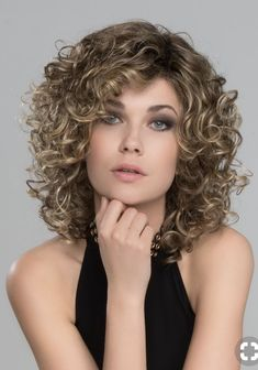 Curly Hair With Bangs, Haircuts For Curly Hair, Curly Hair Cuts, Short Curly Hair, Hairstyles With Bangs, Short Hair Cuts, Easy Hairstyles, Curly Hair Styles, Relaxed Hairstyles
