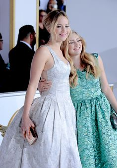 Jennifer Lawrence and Willow Shields. God she's getting so big
