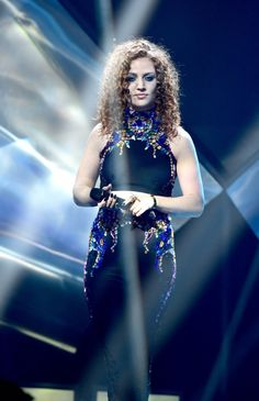 Chart topping sensation Jess Glynne has announced her biggest UK tour to date. Hitting the road this November, Jess will play The Arena in London on November 30 Gig Tickets, Jess Glynne, Lorde, Stage Outfits, Pop Rocks, Female Singers, Greatest Hits, Concerts, Girl Crushes