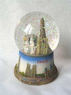 Paris snow globe Paris Snow, Vintage Snow Globes, Water Globes, Tourist Trap, Decor, Water Balloons, Decoration, Decorating, Deco