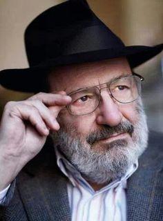 Umberto Eco. El arte sólo ofrece alternativas a quien no está prisionero de los medios de comunicación de masas.