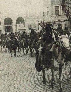 Çanakkale Savaşı için doğudan gelen kürt atlı birliklerinin #İstanbul'a girişi #istanlook