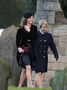 Karen is a petite blonde lady in her late forties who, when photographed with Kate, could easily be mistaken for a friend or a relative. However, she is highly skilled in martial arts and escape tactics and previously protected the King of Norway when he visited Britain and Princess Beatrice during her university days.