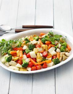 Apetit-reseptit - Hunajainen kanasalaatti on todella maukas salaatti juhlaan. #vieraillejajuhlaan