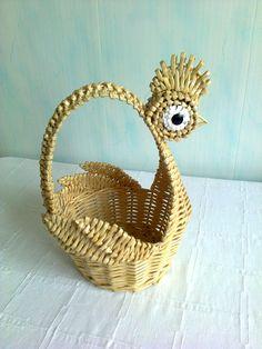 http://hobbyndom.ru/category/pletenie   плетение из соломки.Крылышки - листочки из плетения из соломки.