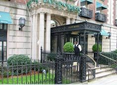 The Eliot Hotel is set on one of the most beautiful boulevards in America, a stone's throw from fashionable Newbury St. shopping, Copley Pla...