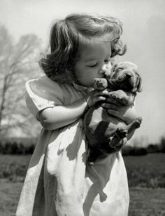 Can't get between a girl and her puppy ! Retro Pictures, Old Pictures, Animal Pictures, Animals For Kids, Baby Animals, Cute Animals, Kids And Pets, Vintage Dog, Vintage Children