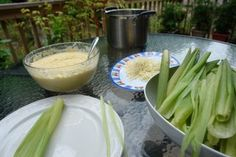 Humitas or steamed fresh corn cakes / Fresh corn tamales Corn Tamales, Corn Cakes, Peruvian Recipes, How To Make Cake, Celery, Fresh, Dishes, Vegetables, Ecuadorian Recipes
