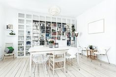 #Grünerløkka #Oslo #Scandinavian Shelving, Photo Wall, Real Estate, Bathroom, Home Decor, Spaces, Rome, Bath Room, Homemade Home Decor