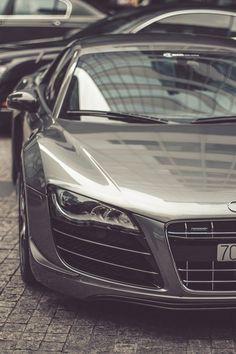 Loving Audi R8