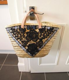 Items similar to Straw tote bag, Small straw bag, Gold small market basket, Shopper straw summer bag, OOAK decorated small straw bag with leather handles on Etsy Summer Handbags, Straw Handbags, Summer Bags, Diy Sac, Diy Tote Bag, Straw Tote, Boho Bags, Craft Bags, Basket Bag