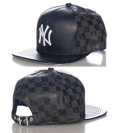 NEW ERA MENS NEW YORK YANKEES MLB STRAPBACK CAP Black Strapback Cap 4a94deb7f992