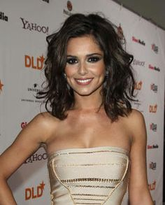 Cheryl Cole, Curly Hair, Dark Brown, Shoulder Length Hair, Waves,   If I would go shorter, this is what I would do......  :)  Love this!