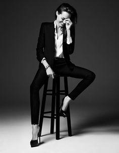 Angelina Jolie - Hedi Slimane 2014 photoshoot for Elle magazine Foto Cv, Fashion Foto, Style Fashion, Fashion Beauty, Women's Fashion, Trendy Fashion, Fashion Models, Fashion Design, Photography Poses