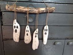 Halloween Wood Crafts, Halloween Ghost Decorations, Spooky Decor, Halloween Projects, Halloween Crafts, Fall Decorations, Halloween Design, Diy Halloween Ghosts, Vintage Halloween