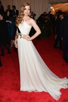 Amy Adams in Giambattista Valli