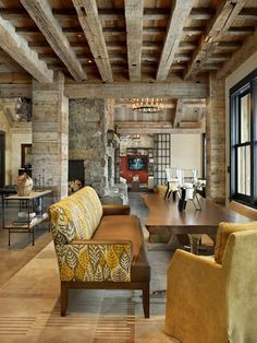 I love the mixture of rustic and modern in this Yellowstone home.